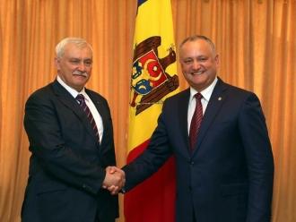 Президент страны обсудил с губернатором Санкт-Петербурга открытие консульства Молдовы