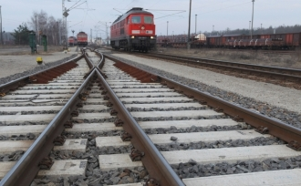 Двухлетний ребенок был сбит поездом