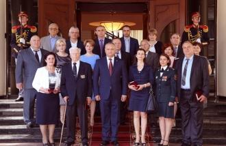 Лучшие врачи страны получили государственные награды