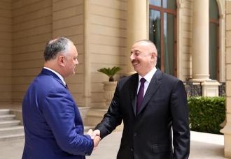 Игорь Додон провел встречу с главой Азербайджана Ильхамом Алиевым