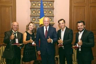 Президент удостоил участников победоносной группы «DoReDoS» звания «Заслуженный артист Молдовы»