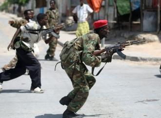 Cel puţin 13 persoane au fost ucise în urma unui atentat în capitala Somaliei