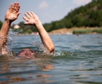 На берегу Днестра найден труп молдаванина, пробывший в воде около 2 недель