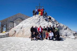 Президент Молдовы - на вершине святой горы
