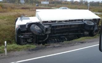 На трассе Кишинёв – Унгены перевернулся грузовик