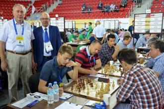 Успешное выступление на Всемирной шахматной Олимпиаде продолжается