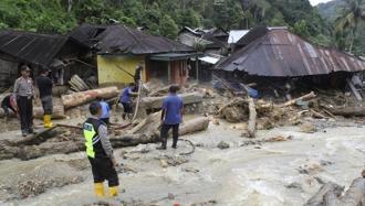 Ущерб от землетрясения и цунами в Индонезии составил $911 млн