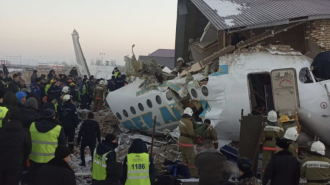 В Казахстане разбился пассажирский самолет, есть погибшие