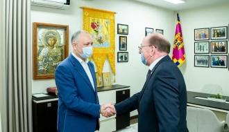 Игорь Додон обсудил с российским послом возможные пути ускорения регистрации вакцины Sputnik-V в Молдове