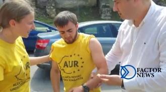 Протестующий из партии «AUR» вывихнул плечо на протесте у офиса ПСРМ. На помощь пришел социалист Динарь Кожокарь. (VIDEO)