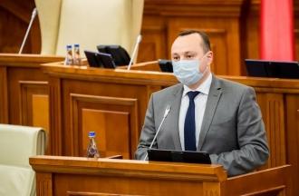 Влад Батрыча: С 2014 года мы постоянно бьем тревогу о банковской краже. Дважды мы пытались снять бремя этой кражи с плеч граждан