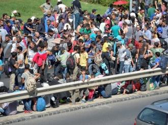 UE ar putea aloca pentru criza imigraţiei fonduri structurale destinate statelor est-europene