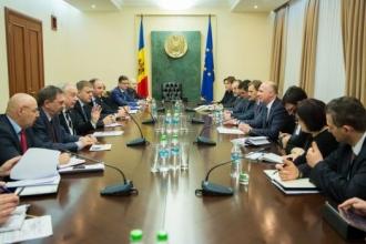 Pavel Filip s-a întâlnit cu reprezentanţii comunităţii bancare din Republica Moldova