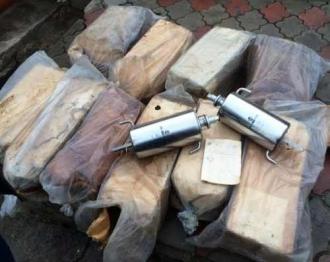 60 de kg de mercur descoperite în gospodăria unui bărbat din Chișinău