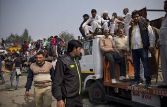 Бунт джатов на севере Индии стал причиной гибели 28 человек  Подробнее на ТАСС: http://tass.ru/mezhdunarodnaya-panorama/2693157