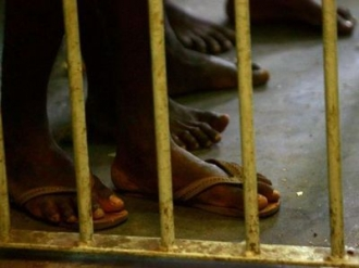 Evadare în masă dintr-o închisoare din Papua Noua Guinee: 11 morţi şi alţi 17 răniţi.