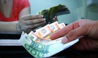 Объем денежных переводов в Молдову продолжает снижаться