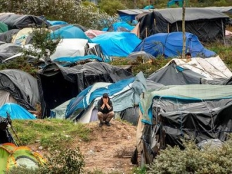 Franţa nu va mai reţine migranţii la Calais în cazul unui