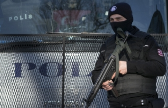 Мощный взрыв произошел рядом с полицейским участком в пригороде Стамбула