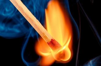Un bărbat a încercat să-și dea foc pentru că nu poate să-și întrețină familia
