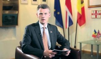 Phil Batson: Moldovenii trebuie să aleagă un președinte care să le reprezinte interesele