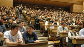 Taxele pentru studii în universităţile din Moldova ar putea creşte cu pînă la 10 la sută