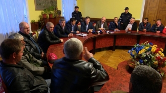 """Rudele victimelor de """"La Soacra"""" au venit să ceară socoteală autorităților locale"""