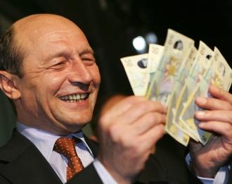 Traian Băsescu este cercetat într-un dosar pentru spălare de bani. Reacţia fostului preşedinte