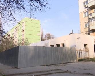 Construcțile ilegală cu girul Primăriei
