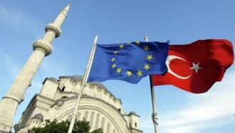 UE va liberaliza regimul de vize pentru Turcia