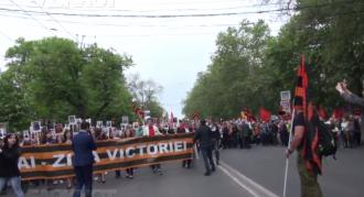Peste 10 mii de persoane s-au adunat în centrul Chișinăului