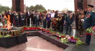 Mii de persoane au comemorat astăzi eroii Marelui Război pentru Apărarea Patriei