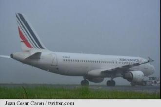 Două avioane ale Air France s-au lovit la sol pe aeroportul Charles de Gaulle, nu există răniți