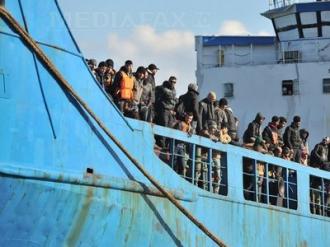 Circa 850 de imigranţi, descoperiţi pe Marea Mediterană de paza libiană de coastă