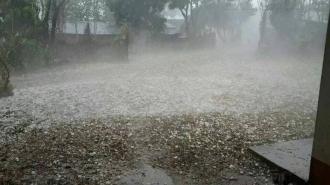 Ploile puternice au lăsat 15 localități fără curent electric