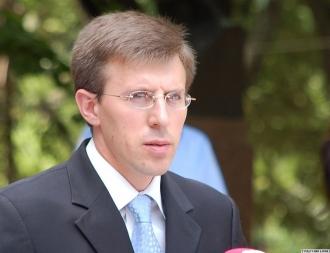 Peste 300 de oameni au aderat la grupul de iniţiativă privind organizarea unui referendum de demitere a lui Dorin Chirtoacă