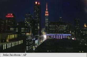 New York: Empire State Building și-a stins luminile în semn de omagiu adus victimelor de la Orlando