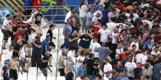 Rusia, descalificată cu suspendare de la Euro 2016 şi amendată!