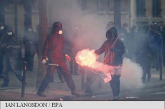 Franța: Premierul Manuel Valls face apel la sindicatul CGT să înceteze manifestațiile la Paris