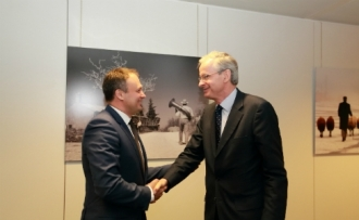 Candu discută la Bruxelles despre reluarea asistenței financiare din partea UE