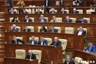 Socialiştii cer demisia ministrului Transporturilor şi Infrastructurii Drumurilor, Iurie Chirinciuc