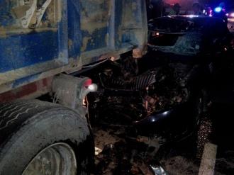 Accident grav pe traseul Chișinău-Orhei; Două persoane și-au pierdut viața după ce maşina în care se aflau s-a izbit într-un autocamion