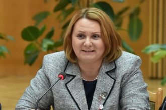 Stela Grigoraș rămâne în funcție; Moțiunea PSRM nu a fost susținută de ceilalți deputați