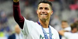Cristiano Ronaldo, cel mai bine plătit sportiv din lume. Portughezul îl depăşeşte pe rivalul Messi
