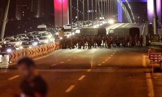 Noapte dramatică în Turcia. LOVITURĂ DE STAT militară eșuată. Zeci de morți. Guvernul e