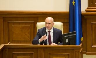 Pavel Filip, salvat de parlamentarii puterii