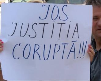 Manifestație la Curtea Supremă de Justiție