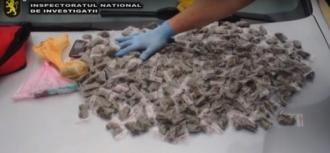 """Droguri de peste un milion de lei, confiscate de polițiști în cadrul operațiunii """"Mac"""" 2016"""