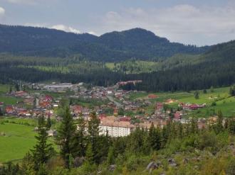 Bugetari moldoveni, cu vile în România