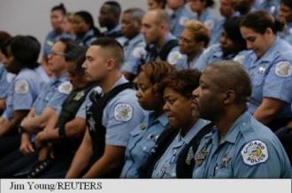 O mie de polițiști desfășurați suplimentar la Chicago, oraș considerat capitala crimei în SUA